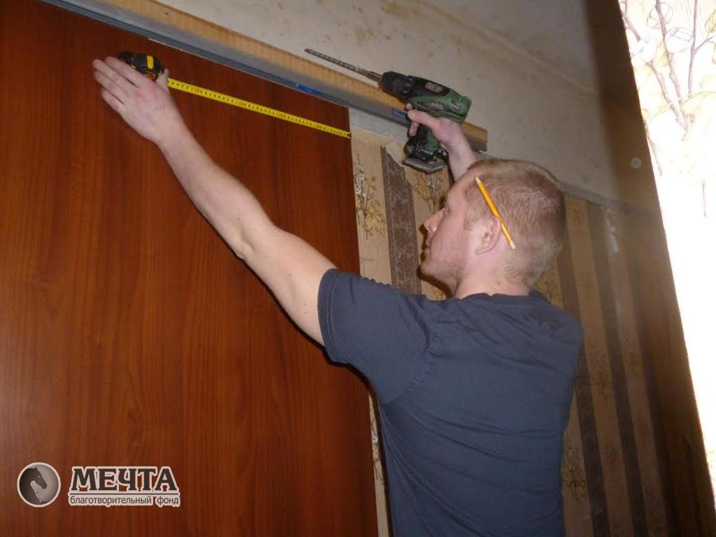 Профессия монтажник дверей
