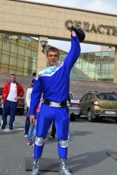 Сантехмен сдает нормы ГТО